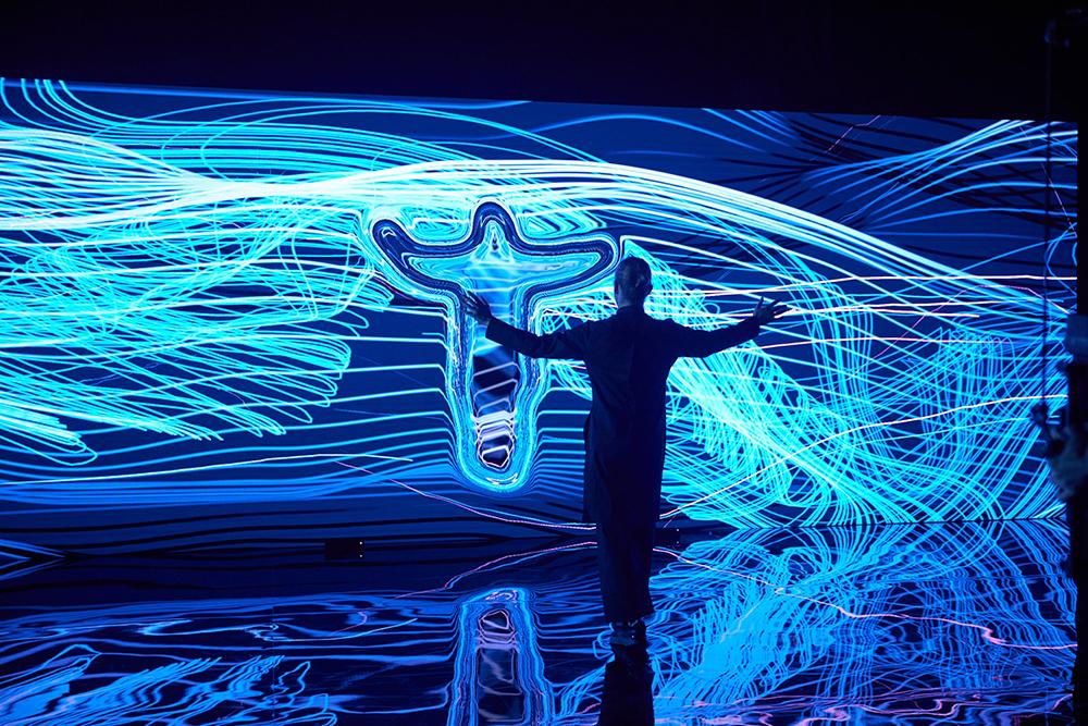 «Цифровые двойники» хореографа Владимира Варнавы