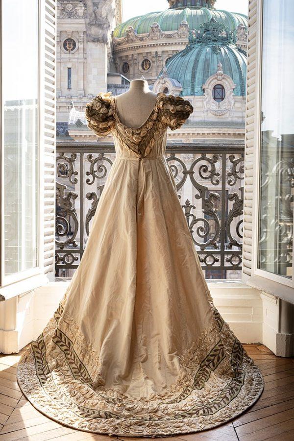 Платье Марии Кузнецовой для оперы «Евгений Онегин», около 1907. Эстимейт: €3.000-5.000