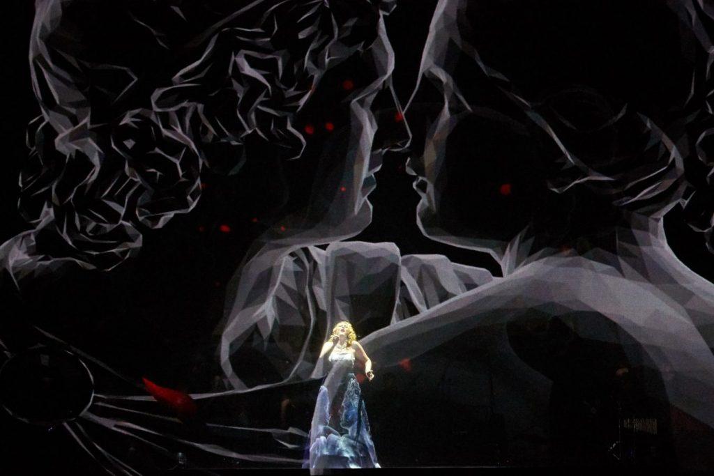 Новое шоу Евгении Зимы «Музыка в Темноте»