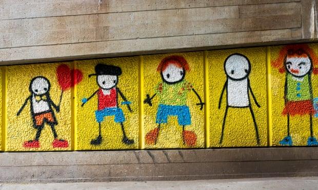 Стик «Рабочие». Фрагмент стрит-арта в Лондоне © UrbanImages / Alamy