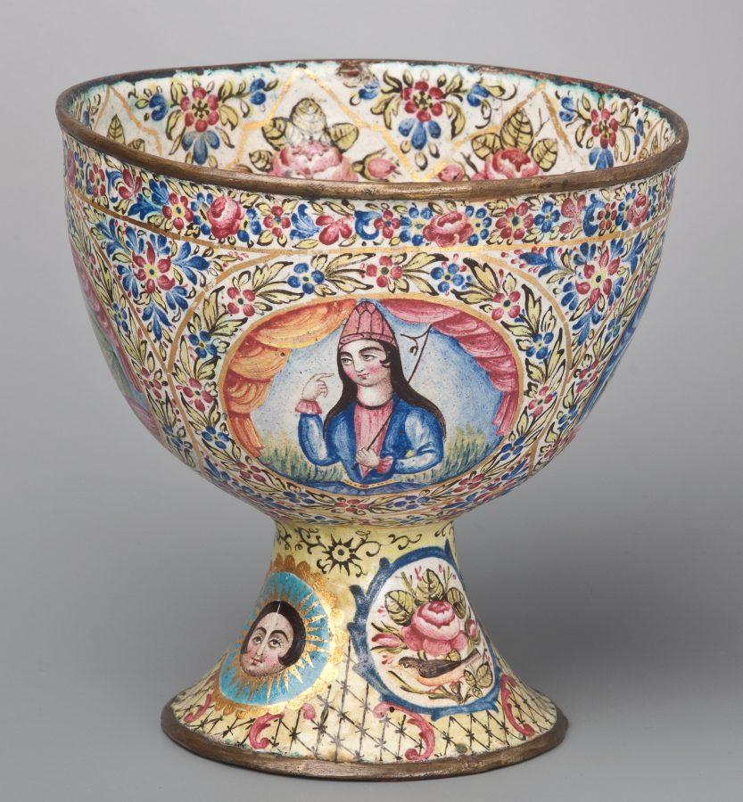 Чаша Иран, XIX в. Медный сплав, эмаль, роспись © ГМВ
