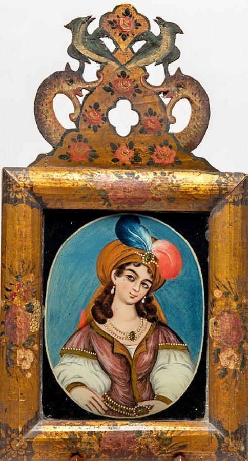 Женщина в тюрбане Иран, сер. XIX в. Стекло, краски, роспись © ГМВ