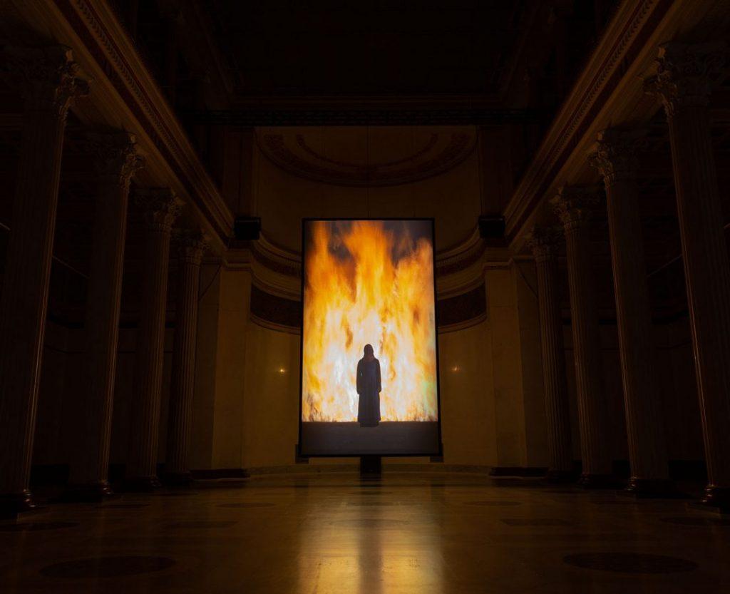 Билл Виола. Инсталляция «Огненная женщина» © Арсенал