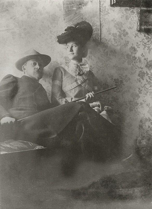 «Идем гулять». Борис Кустодиев c женой Юлией. 1903 год. Неизвестный автор