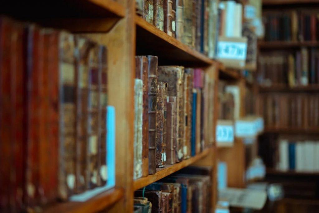 Игра «Библиоквест», проходящая в рамках XVI Санкт-Петербургского международного книжного салона, посвящена петербургским библиотекам