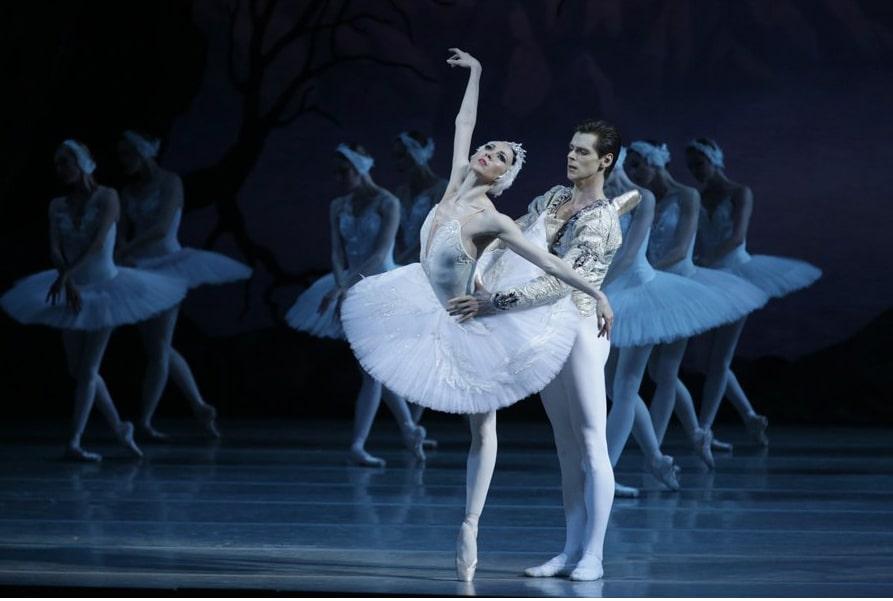 Одетта — Виктория Терешкина, принц Зигфрид — Владимир Шкляров © Мариинский театр