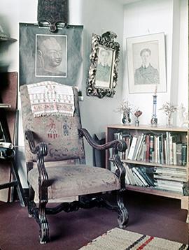 Мастерская Натана Альтмана в Ленинграде, 1971 год. Портрет, отраженный в зеркале © KGallery