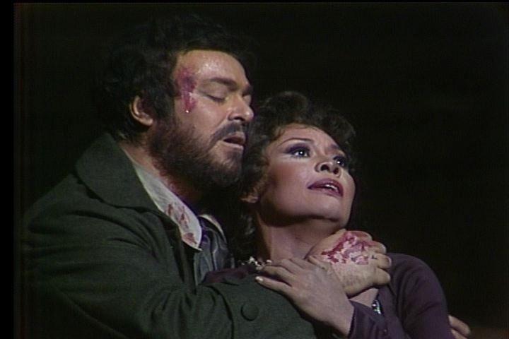 Ширли Верретт и Лучано Паваротти в «Тоске» на сцене Метрополитен оперы © МЕТ