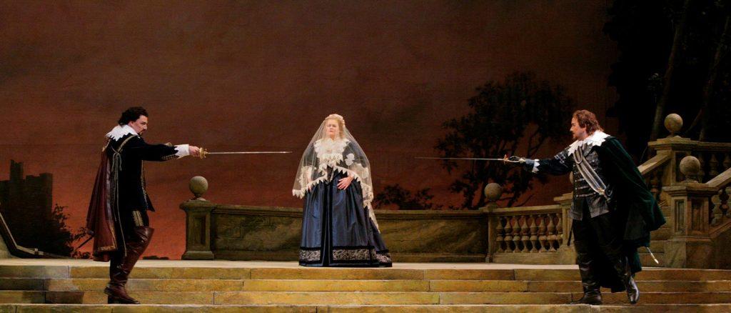 Сцена из оперы «Пуритане» © МЕТ