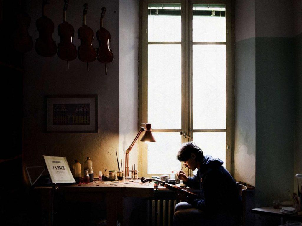 Алекс Майоли «Джованни, скрипичный мастер из Кремоны», 2011 © Алекс Майоли
