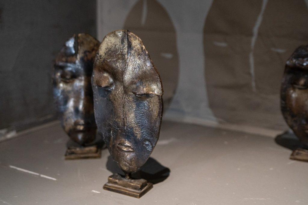 Выставка «Не вижу краев или там, где живут драконы» © Объединение «Выставочные залы Москвы»