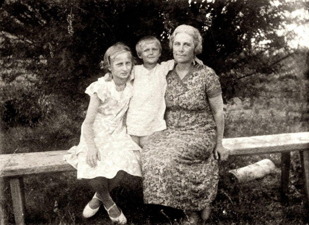 Татьяна Кустодиева с мамой, Юлией Евстафьевной, 1937